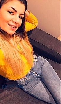 Aysha escort Lux